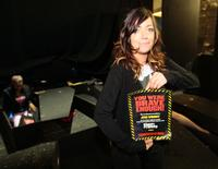 Photo-Coverage-GHOST-STORIES-Challenge-Fans-To-Spend-A-Night-In-A-Coffin-20000101