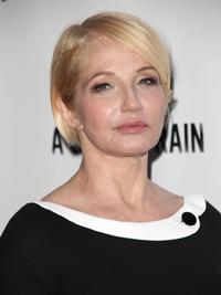 Ellen-Barkin-Joins-List-of-Drama-Desk-Presenters-20110517
