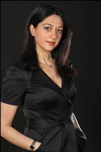 Dr-Sara-Nasserzadeh-To-Star-In-Naked-in-a-Fishbowl-20010101