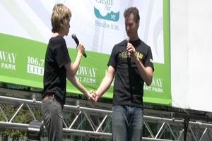BWW TV: DEATH TAKES A HOLIDAY Plays Broadway in Bryant Park 2011!