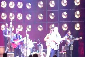 STAGE TUBE: Cowboy Jack Clement Performs in MILLION DOLLAR QUARTET