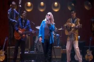 STAGE TUBE: Melissa Ethridge Rocks 'Ball & Chain' and 'Trouble' with Broadway's QUARTET - Official Video!