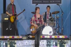 STAGE TUBE: AMERICAN IDIOT Plays Central Park for GMA!