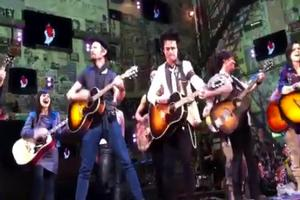 STAGE TUBE: Dirnt Joins Armstrong On Stage for IDIOT Encore