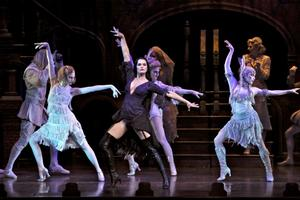 BWW TV: See Brooke Shields in THE ADDAMS FAMILY - Performance Highlights!