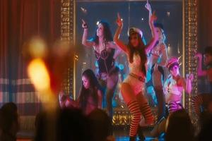 STAGE TUBE: New 'Burlesque' Trailer Released!