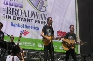 BWW TV: MILLION DOLLAR QUARTET Plays Broadway in Bryant Park!