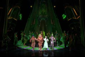 BWW TV: THE WIZARD OF OZ Special - 'The Merry Old Land of Oz!'