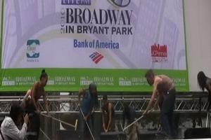 BWW TV: Broadway in Bryant Park - STOMP