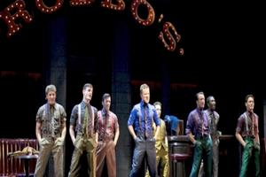 BWW TV: BroadwayWorld Goes Inside ROBIN AND THE 7 HOODS Opening Night!
