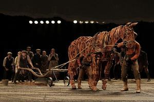 BWW TV: WAR HORSE Opens at LCT Tonight!