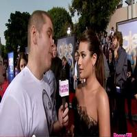 STAGE TUBE: Perez Hilton at the GLEE 3D Movie Premiere