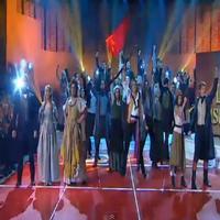 STAGE TUBE: Actuación de 'Los Miserables' en La Marató de TV3
