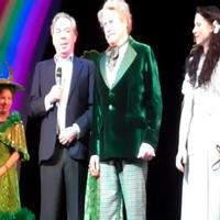 STAGE TUBE: Michael Crawford Celebrates Birthday at WIZARD OF OZ