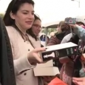 STAGE TUBE: Stephanie Meyer's Book Give Away at Tent City in LA