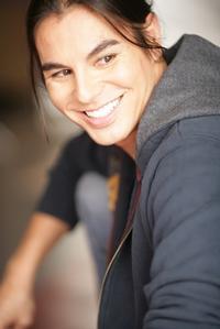 Julio-Iglesias-Jr-se-incorpora-como-estrella-invitada-en-Grease-en-el-papel-de-Teen-Angel-20010101