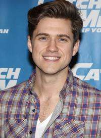 CATCH-ME-IF-YOU-CAN-Offers-Aaron-Tveit-Meet-Greet-Contest-20010101