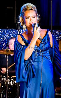 Photo-Flash-RESPECT-LA-DIVA-20000101