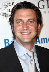 Raul-Esparza-Leslie-Uggams-Set-to-Perform-at-BROADWAY-SALUTES-20010101