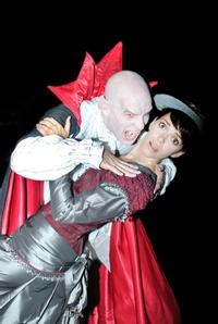 The-Off-Broadway-Theatre-Presents-Dracula-vs-Jekyll-and-Hyde-20010101