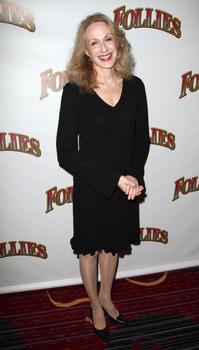 FOLLIES-Star-Jan-Maxwell-Hit-by-Minivan-Misses-Weekend-Shows-20010101
