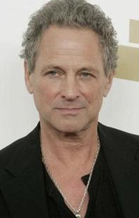 Lindsey-Buckingham-Performs-in-Thousand-Oaks-56-20010101