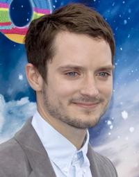 Elijah-Wood-to-Star-in-Syfys-TREASURE-ISLAND-20010101