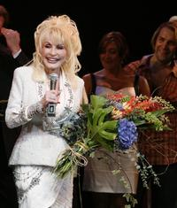 Dolly-Partons-9-TO-5-Gets-UK-Tour-20010101