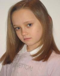 Isabelle-Allen-Cast-as-Young-Cosette-in-LES-MIS-Film-20010101