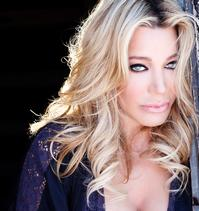 Taylor-Dayne-Makes-Thousand-Oaks-Debut-414-20120321