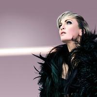 Kass-chante-Piaf-Zwei-Stimmen-zwei-Schicksale-eine-Hommage-20010101