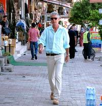 Travel-Channels-ANTHONY-BOURDAIN-NO-RESERVATIONS-to-Return-20010101