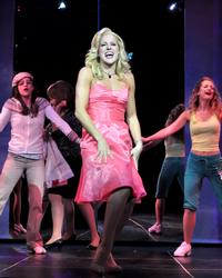 Photo-Flash-Beef-Boards-Dinner-Theatre-Presents-Legally-Blonde-The-Musical-20000101
