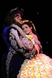 BWW-Reviews-BEAUTY-AND-THE-BEAST-at-the-Paramount-20010101