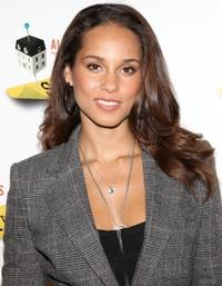 STICK-FLY-Announces-Additional-Talkbacks-With-Alicia-Keys-20010101