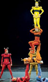 BWW-Reviews-Cirque-du-Soleils-IRIS-Pays-Homage-to-Old-Hollywood-20010101