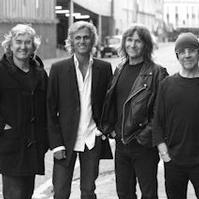 The-Straits-Continue-Tour-20010101