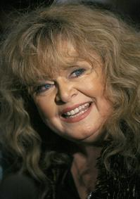 Sally-Struthers-Joins-Pittsburgh-CLOs-ANNIE-20010101