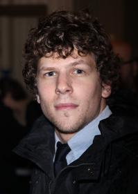 Jesse-Eisenberg-Talks-ASUNCION-20010101