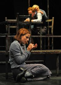 BWW-Reviews-Marin-Theatre-Produces-Compelling-New-Look-Strong-Cast-For-THE-GLASS-MENAGERIE-20010101