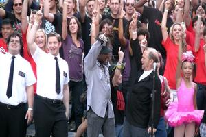BWW TV: Broadway Unites for Encore Performance of 'New York, New York' in Honor of 9/11