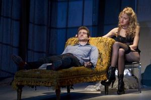 BWW TV: Hot! Hot! Hot! Sneak Peek at Nina Arianda & Hugh Dancy Heating Up the Stage in VENUS IN FUR