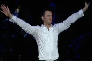BWW TV Video Flash: Hugh Jackman's Opening Night Curtain Call!