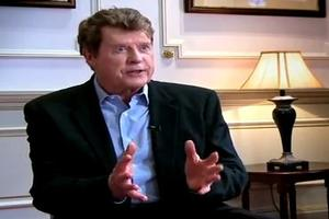 STAGE TUBE: Michael Crawford Talks THE WIZARD OF OZ!