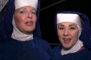 STAGE TUBE: SISTER ACT Performs at Macy's Windows Unveiling