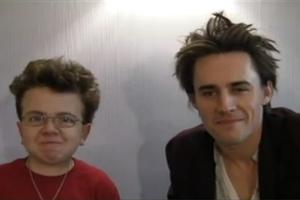STAGE TUBE: Keenan Cahill Sings SPIDER-MAN with Reeve Carney