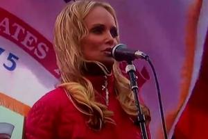 STAGE TUBE: Kristin Chenoweth Sings National Anthem at NFC Championship