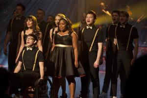 Photos and Audio: Tonight on GLEE- Kelly Clarkson, Nicki Minaj, and More!