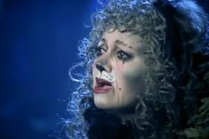 STAGE TUBE: On This Day 3/5- Elaine Paige