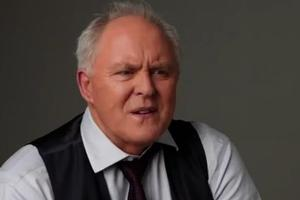 STAGE TUBE: Inside THE COLUMNIST Photo Shoot with John Lithgow